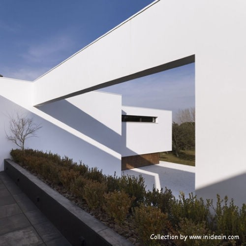 The house is Spanish architect DAHL&GHG design  (3)